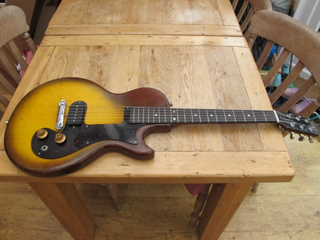 I also undertake repairs and restorations of other guitars, both electric and acoustic. Here's a 1959 Gibson Melody Maker restored to a playable and giggable condition. Contact me through this site for a quote on getting your old guitar back to a playable state.